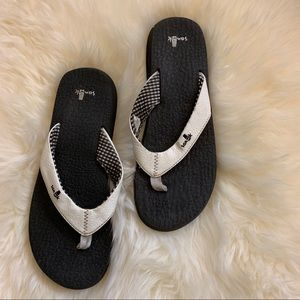 Sanuk Yoga Mat Flip Flops Comfort Sandals Beach